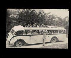 TRES BELLE PHOTO CARTE D UN BUS AUTOBUS CAR AVEC VOYAGEURS ALLANT A LOURDES - Postkaarten