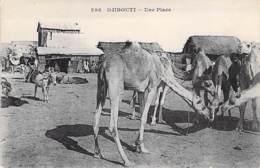 DJIBOUTI  - Une Place ( Chameau En 1er Plan ) - CPA - - Djibouti