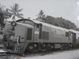 Très Belle Photo Ancienne Malaisie Train Gare Locomotive  ! Tampon Du Photographe - Stations With Trains