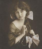 CPA 1900/ 20 D'origine Trés Rare édt C L C N° 5068 / 2 Fillette à La Coiffure Tressée Avec Ruban  Pretty Little Girl - Portraits