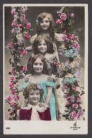 92284/ ENFANTS, Fillettes - Groepen Kinderen En Familie
