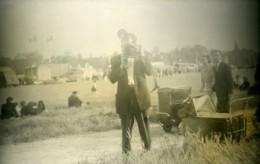 France Photographe Amateur Dans Un Champ Ancienne Photo 1935 - Photographs
