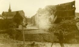 France WWI Opérateur Photographique Dans Les Ruines Ancienne Photo 1918 - Photographs