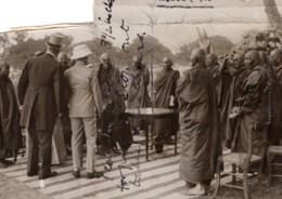 Birmanie Mandalay Prince De Galles Et Pretres Bouddhistes Ancienne Photo De Presse 1920's - War, Military
