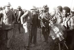 Afrique Du Sud Zululand Eshowe Prince De Galles Danseurs Usutu Ancienne Photo De Presse 1925 - War, Military