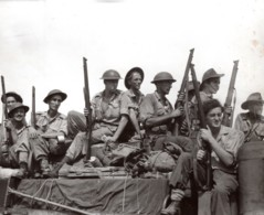 Philippines WWII Ile De Mindoro Troupes Australiennes RAAF Ancienne Photo De Presse 1944 - War, Military