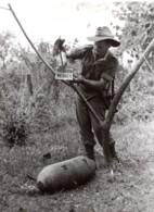 Malaisie Bornéo Du Nord WWII Demineur Australien RAAF Ancienne Photo De Presse 1945 - War, Military