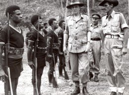 Aitape Lord Wakehurst Royal Papua New Guinea Constabulary Ancienne Photo 1945 - War, Military