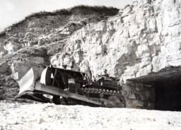 France Normandie Bulldozer Dans Une Carriere Aviateur RAF Ancienne Photo De Presse 1944 - War, Military