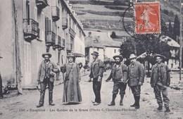 CPA : La Grave Dauphiné (05)  Alpinisme   Les Guides De La Grave  Piolets ...Cachet Hotel Juge   Ed  Chusseau ... 1307 - France