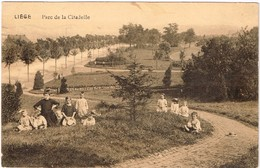 CPA - Liège  - Parc De La Citadelle - Famille Profitant Du Charme De L'endroit - Liege