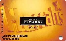 Harrah's Casino Multi-Property - 10th Issue TR Gold Slot Card - No Date & No Signature Strip - Casino Cards