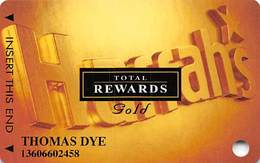 Harrah's Casino Multi-Property - TR Gold Slot Card @2001 With 5 Casino Logos - Casino Cards