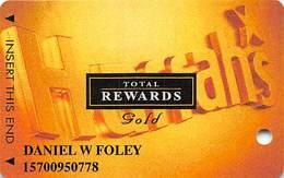 Harrah's Casino Multi-Property - TR Gold Slot Card @2005 / 3 Phone#s / @2005 Under Registration Mark - Casino Cards