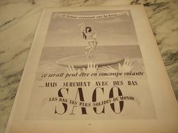 ANCIENNE   PUBLICITE  VENUS REVIENT SUR TERRE AVEC LES BAS SACO 1953 - Habits & Linge D'époque