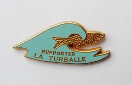 Pin's Supporter La Turballe Vague Bleue - C42 - Badges