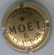 CAPSULE-CHAMPAGNE MOET & CHANDON N°230b-quart Or Foncé - Moet Et Chandon