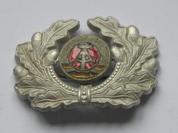 Insigne Militaire De Casquette ?  L'ex Allemagne De L'est - RDA    ***** EN ACHAT IMMEDIAT **** - Army