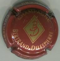 CAPSULE-CHAMPAGNE BERTRAND-DELESPIERRE N°09 Bordeaux Foncé Et Or - Autres