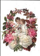 GRAND DECOUPI GAUFFRE : Couple De Petites Filles Dans Une Rosace Fleurie, - Enfants