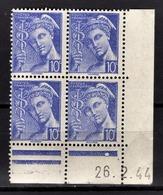 FRANCE 1942 - BLOC DE 4 TP  Y.T. N° 546 COIN DE FEUILLE / DATE   - NEUFS** - Neufs
