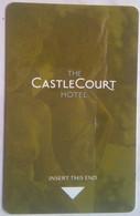 The  Castle  Court - Cartes D'hotel
