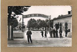 CPSM Dentelée - LUNEVILLE (54) - Aspect De L'entrée De La Caserne Diettmann, 31° Régiment De Dragons, En 1954 - Luneville
