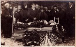 Antique Post Mortem Man In Casket Vintage Funeral Photo Postcard 1920s - Photographie