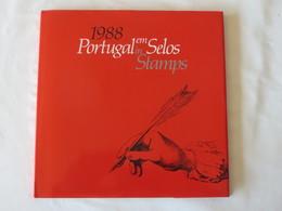 Année 1988 Complète ** (41 Timbres) Dans Livret 40 Pages De La Poste Portugaise - Portugal