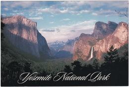 Yosemite National Park, On The Left El Capitan, On The Right Bridalveil Falls - California - (USA) - USA Nationale Parken