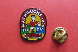 Pin's,Sports Handball,HV TV OLTEN,Suisse,2000 - Handbal