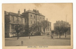 CPA. D.01, Bourg, ( Ain ), Ecole Carriat , Animée , Ed. L.P. 1934 - Other Municipalities