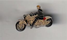 Rare Pin's Johnny Halliday Sur Harley - Personnes Célèbres