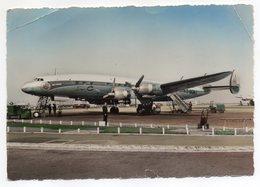 Avion -- 1959-- Super-Constellation  AIR FRANCE   Au Sol  (petite Animation) - 1946-....: Moderne