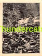ANCIENNE PHOTO VINTAGE SNAPSHOT FOTO 6,5 Cm X 8,5 Cm BOHAN SUR SEMOIS CAMP CROIX ROUGE 1947 - Lieux