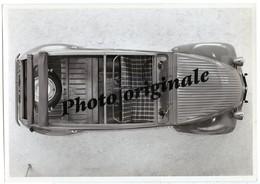 Autos Voitures Automobiles Cars - Photo De Presse - CITROËN 2CV 2 CV Années 50 - Cars