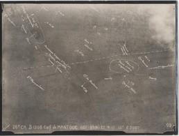 PHOTOGRAPHIE DE BOMBARDEMENT   VOIR LE SCAN - Guerre, Militaire
