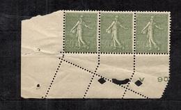 France YT N° 198 En Bande De Trois Coin De Feuille Variété De Piquage Dans Le Coin. Neufs ** MNH. B/TB. A Saisir! - Variétés: 1921-30 Neufs
