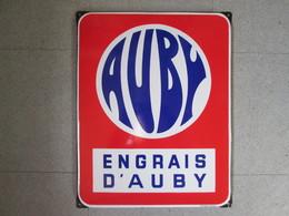 Plaque Emaillee Ancienne  Engrais Auby . Emaillerie Alsacienne - Landbouw