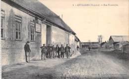 80 - ARVILLERS : Rue Tourniche ( Entreprise De Chaussures ) CPA Somme / Industrie Entreprise Fabrik Fabriek Factory - France