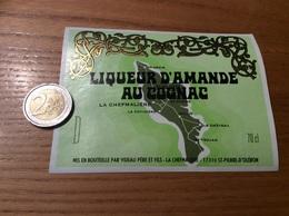 Etiquette «LIQUEUR D'AMANDE AU COGNAC - VIDEAU PÈRE ET FILS - ST-PIERRE D'OLERON (17)» (carte île D'Oleron) - Etiquettes
