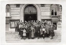 Photo Non Localisée -  Groupe De Personnages (111213) - Places