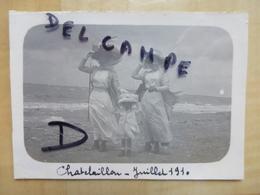 17 CHATELAILLON PLAGE - BOURGEOISES 1910 PHOTO - Châtelaillon-Plage