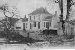 CPA De VALDAHON (Doubs) - Les écoles. Circulée En 1909. Bon état. - France