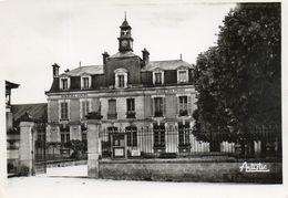 - COURSON Les CARRIERES - Les Ecoles  -11878- - Courson-les-Carrières