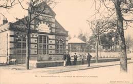 91 18 SOISY SOUS ETIOLLES La Salle De Réunion Et Le Kiosque - France
