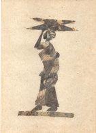 Carte Artisanale Fabriquée A La Main Avec Des Ailes De Papillons - Africaine  .  (111222) - Art Africain