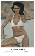 CAROLINE MUNRO - Film Star Pin Up PHOTO POSTCARD - C38-27 Swiftsure Postcard - Artistas