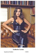 VALERIE LEON - Film Star Pin Up PHOTO POSTCARD - C39-26 Swiftsure Postcard - Artistas