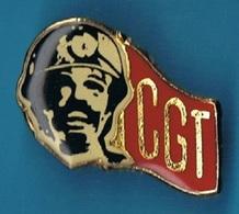 PIN'S //  ** GUEULES NOIRES / MINEURS / SYNDICAT C.G.T. / ALÈS EN CÉVENNES ** - Badges
